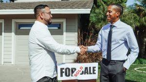 Agent immobilier qui vient de vendre